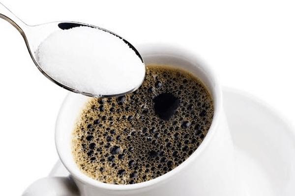 posso-usar-creatina-com-cafeina