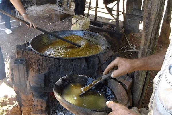 produção-artesanal-de-açucar-mascavo