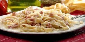 Imagem de Macarrão com peito de peru e queijo cottage