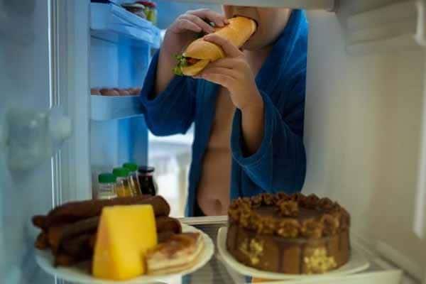 transtorno alimentar noturno