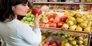 Imagem de O que devemos incluir nas compras semanais para alimentação?