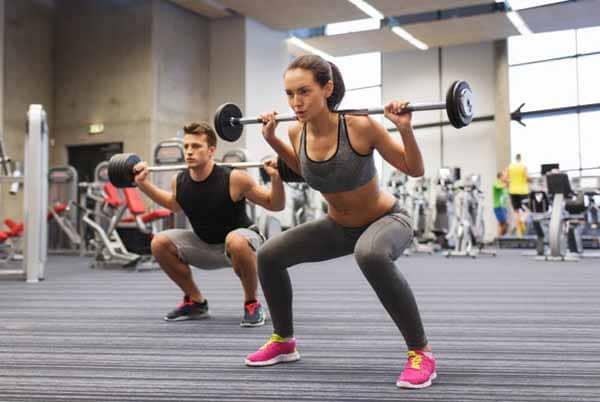 agachamento livre na musculação