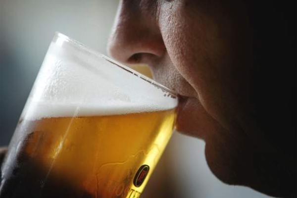 Bebendo Cerveja aos Fins de Semana