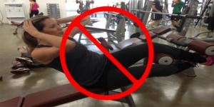Petite astuce: les exercices abdominaux que les femmes ne devraient JAMAIS faire