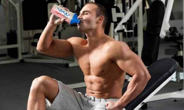 Beber Shake de Carboidrato no Pós-Treino