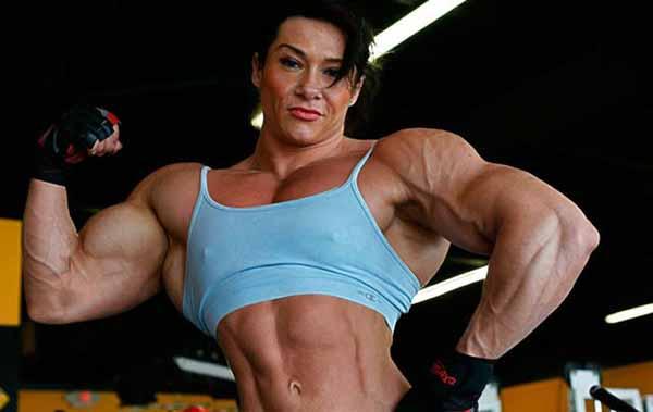 Mulher Fisiculturista Forte e Masculinizada