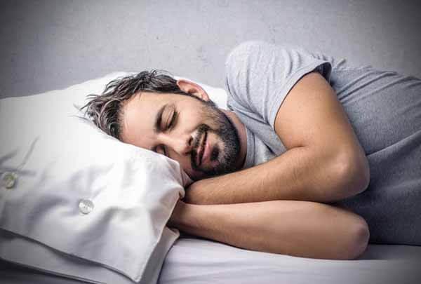 A melatonina garante uma boa noite de sono