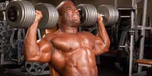 Imagem de Treino de ombros: É possível realiza-lo utilizando apenas uma par de halteres?