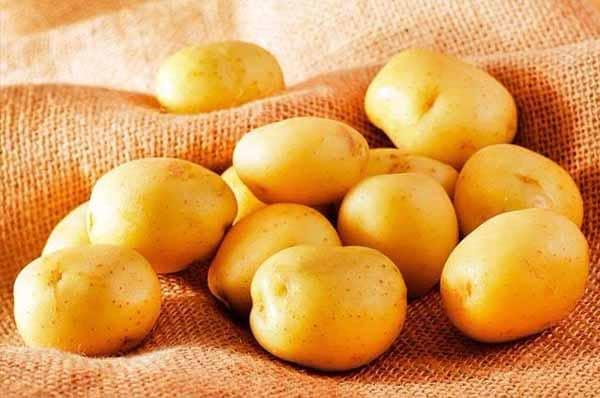 as batatas inglesas são alimentos com poucas calorias