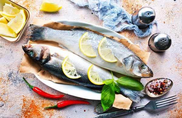 busque formas de preparar seus pescados que preservem os nutrientes