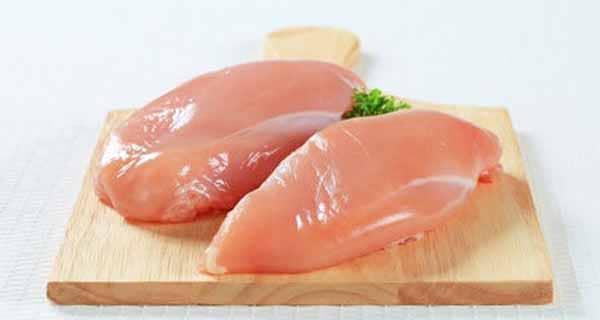 conheça os benefícios do peito de frango para o praticante de musculação