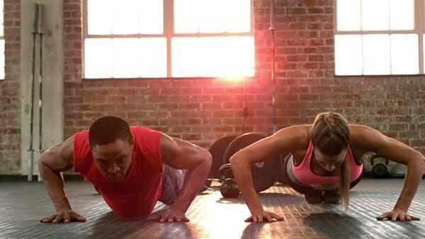 exercício calistenia flexão bracos