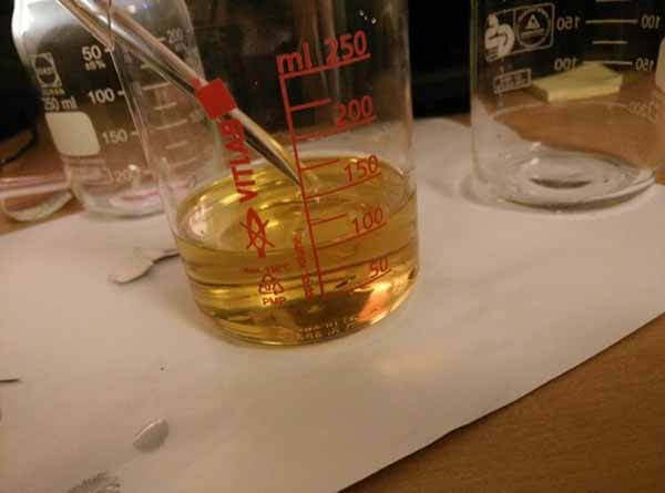 misturando éster sais anabolizantes