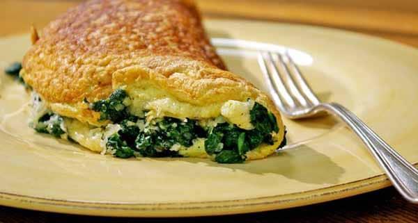 receita omelete com espinafre