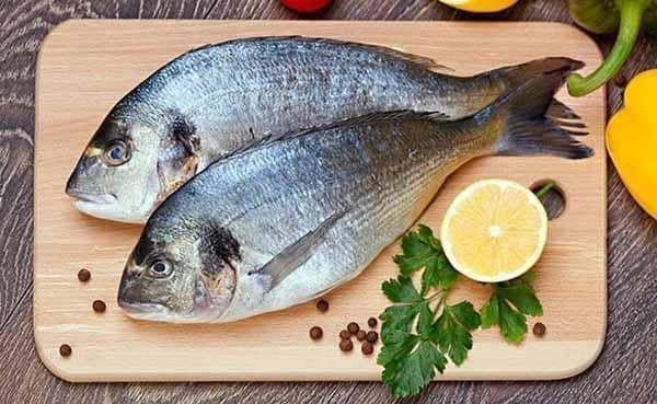 dê preferência para os peixes na hora das refeições