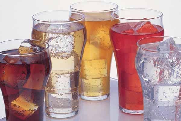 não exagere no consumo de bebidas com gás