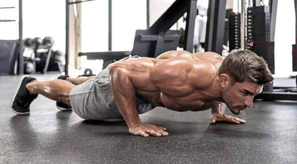 exercício tríceps flexão