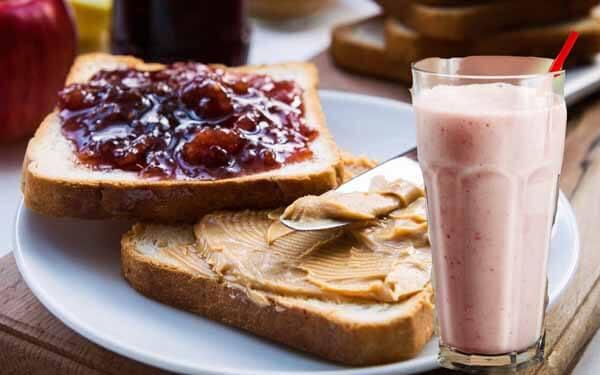 sanduiche geleia pasta amendoim shake
